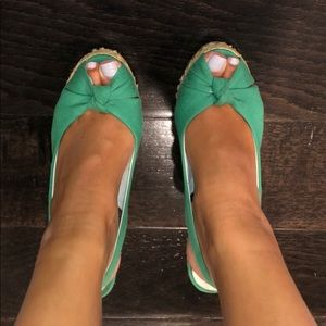 green open toe steve madden wedges